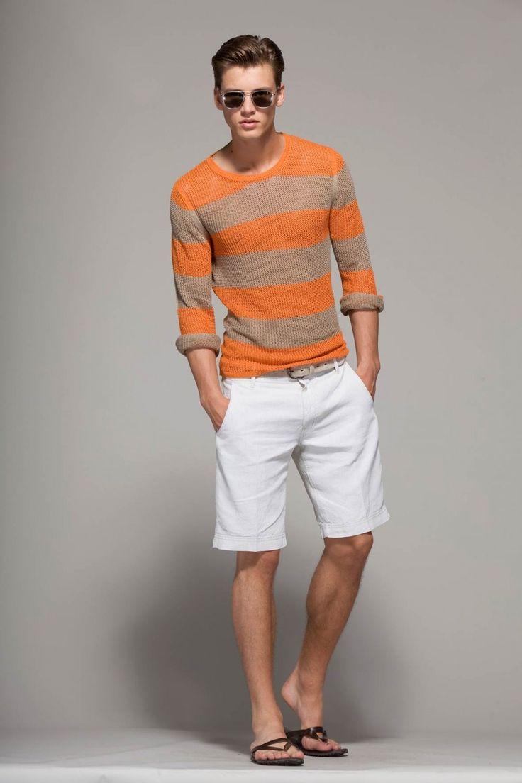 A sweater with shorts? Yes, please.