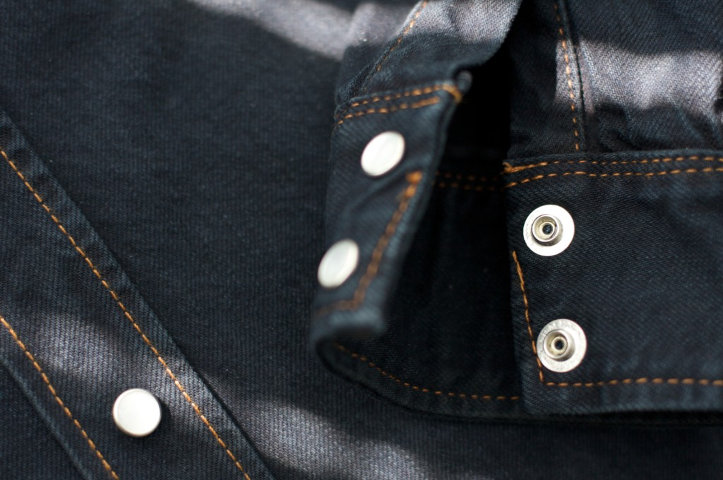 denim_jacket_cuff_closeup